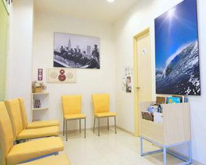 ファミリー歯科クリニックの待合室