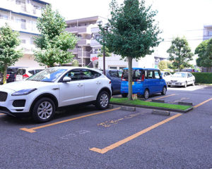 ファミリー歯科クリニックの駐車場